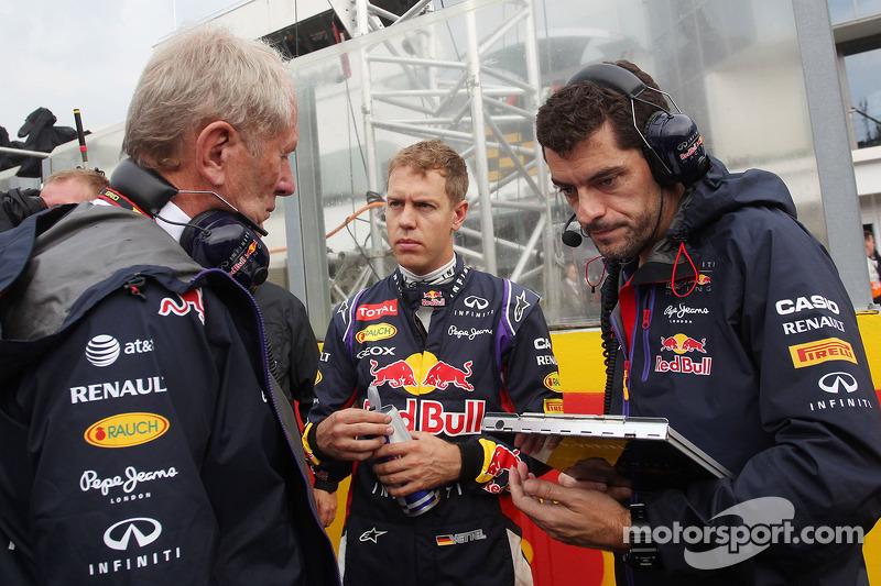 Dr Helmut Marko, Red Bull Motorsporları Danışmanı ve Sebastian Vettel, Red Bull Racing ve Guillaume
