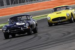 #60 Ferrari 250 GT: Jackie Oliver, Gary Pearson, #82 Jaguar E-Type: Bob Binfield, Nick Faure