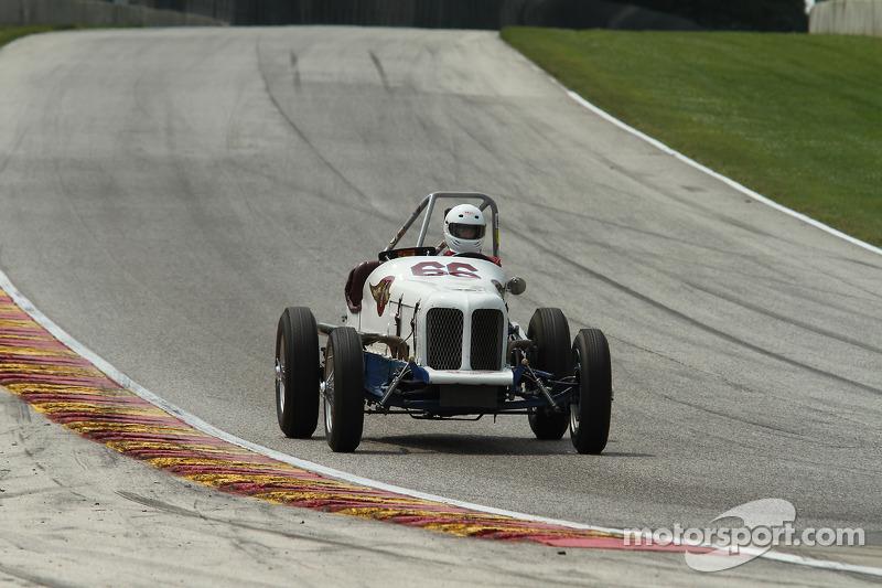 #66 1933 福特 印地特别版: 雷克斯·巴内特