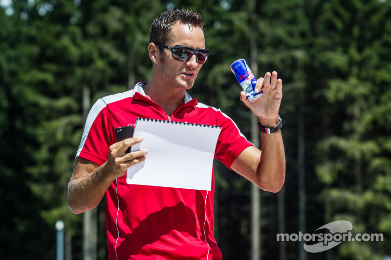 Timo Scheider, Audi Sport Team Phoenix Audi RS 5 DTM cammina lungo la pista