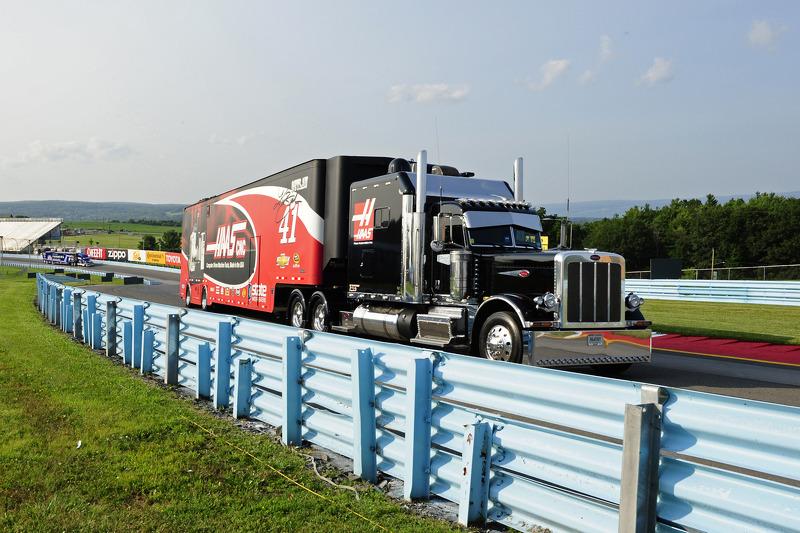 Tır: Kurt Busch, Stewart-Haas Racing Chevrolet