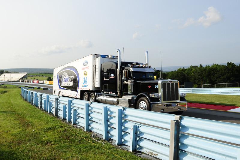 FrontRow Motorsports tırı