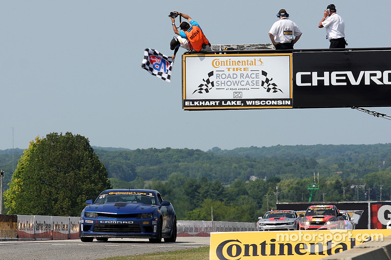 #01 CKS Autosport Camaro GS.R: Lawson Aschenbach, Eric Curran conquista a vitória