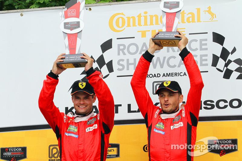 GTLM podio: vincitori Pierre Kaffer, Giancarlo Fisichella