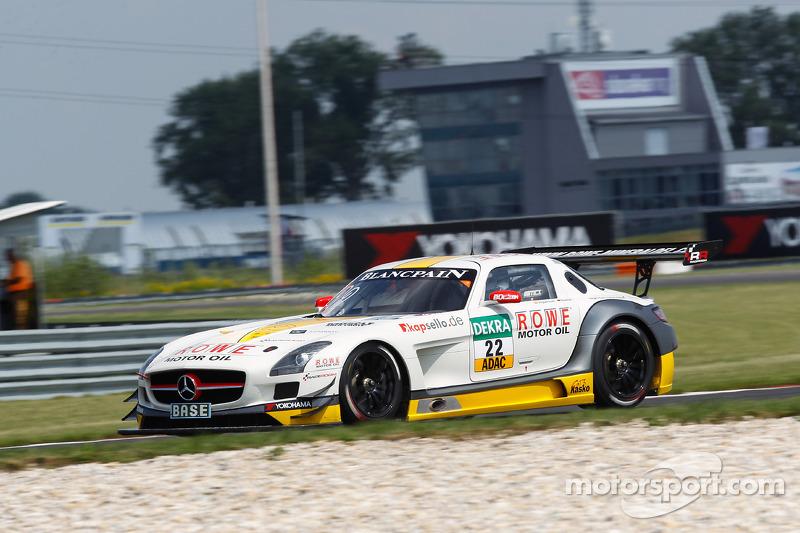 #22 ROWE Racing 梅赛德斯-奔驰 SLS AMG GT3: 尼科·巴斯蒂安, 赫米·阿古尔苏阿里