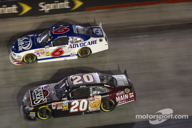 Erik Jones ve Trevor Bayne