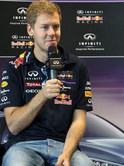 Sebastian Vettel fährt im Sochi-Autodrom