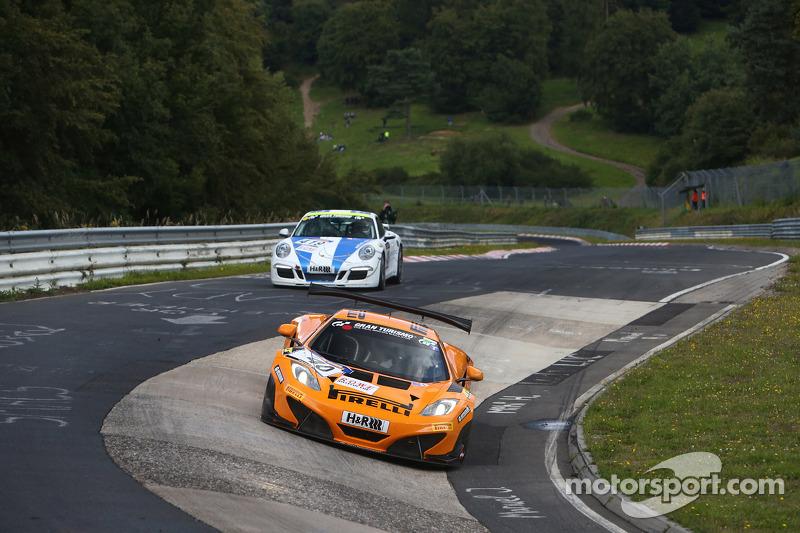 #40 Dörr Motorsport, McLaren MP4-12C GT3: Sascha Bert, Rudi Adams, Arno Klasen
