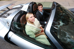 Maria Sharapova ve Mark Webber ve Porsche 918 Spyder