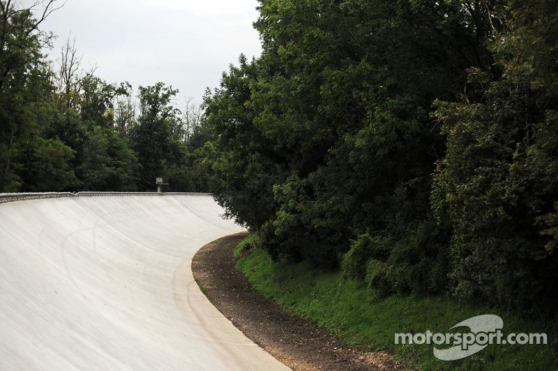 La vecchia banchina di Monza ripavimentata