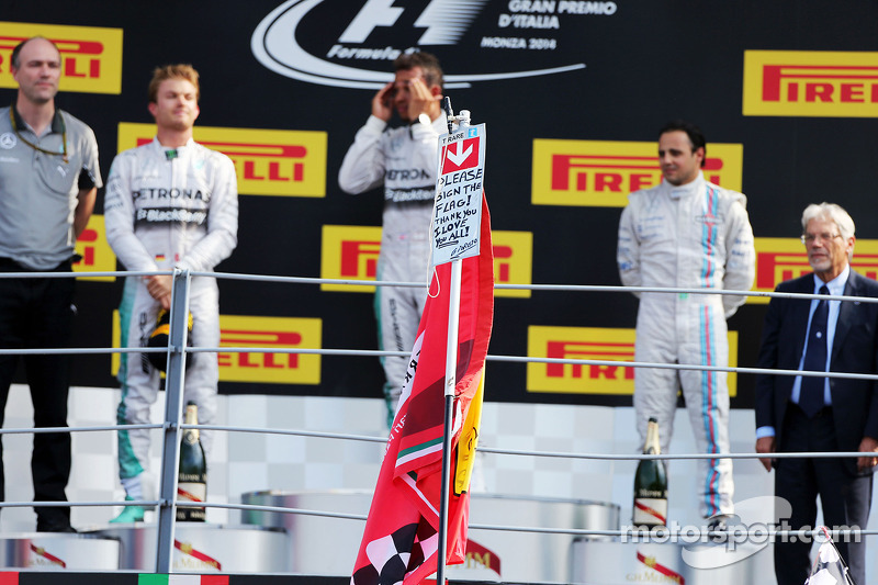 Il podio, Nico Rosberg Mercedes AMG F1, secondo; Lewis Hamilton, Mercedes AMG F1, vincitore della gara; Felipe Massa, Williams, terzo