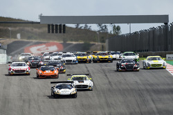 Start: #28 Grasser Racing Team Lamborghini LFII: Hari Proczyk, Jeroen Bleekemolen leads