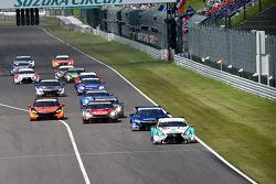 Start: #36 Lexus Team Petronas Tom's Lexus RC F: Kazuki Nakajima, James Rossiter leads