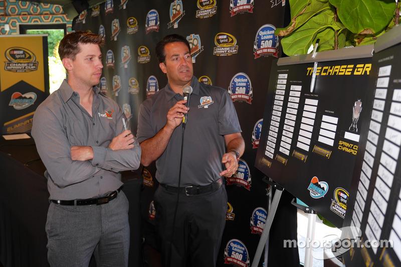 Denny Hamlin, Joe Gibbs Racing Toyota visits Phoenix as part of Chase across North America