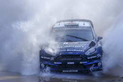 M-Sport车队驾驶福特嘉年华赛车的艾尔法·埃文斯和丹尼尔·巴里特