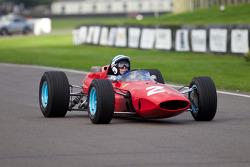 John Surtees im Ferrari 158