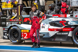 Leena Gade checking in with Andre Lotterer