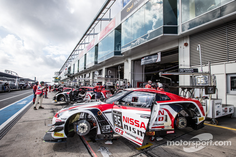 #35 Nissan GT Academy Team Nissan GT-R Nismo GT3: Wolfgang Reip, Miguel Faisca, Katsumasa Chiyo