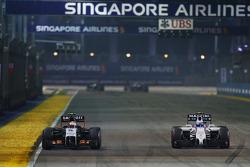Sergio Perez, Sahara Force India F1 VJM07; Valtteri Bottas, Williams FW36