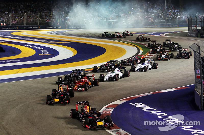 Sebastian Vettel, Red Bull Racing RB10 en la arrancada