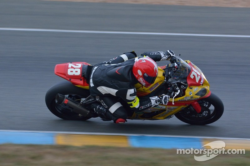 #28 Kawasaki: Stephane Millochau, Manu Thuillier, Clive Rambure