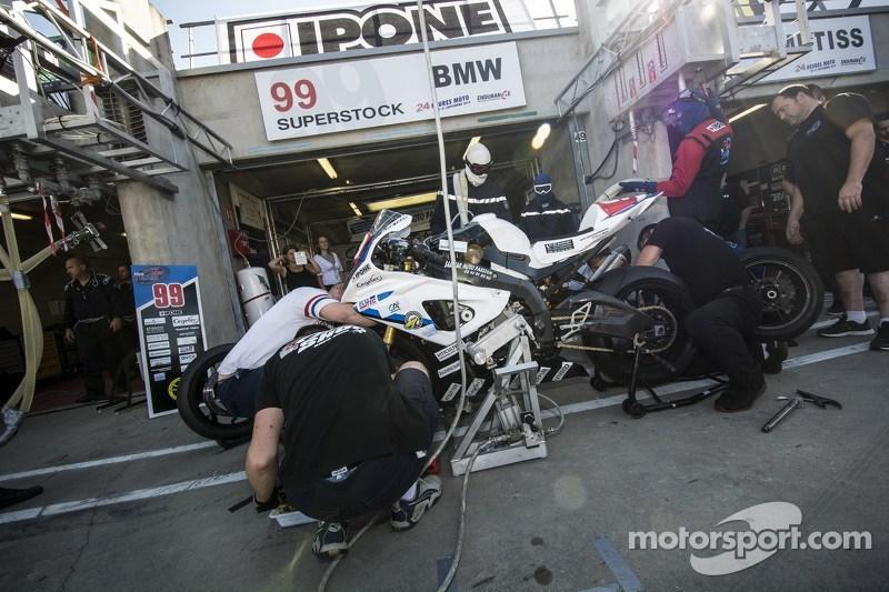 #99 BMW: Sebastien Boizart, Sebastien Delhommeau, Giovanni Boucle, Rodrigue Coudray