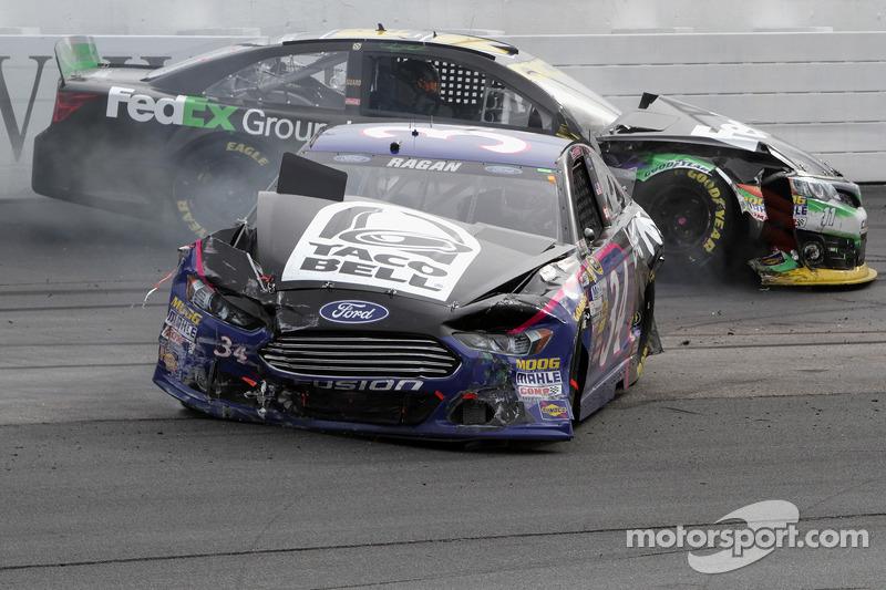 David Ragan crashes with Denny Hamlin