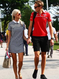 Max Chilton, Marussia F1 Team con su novia Chloe Roberts