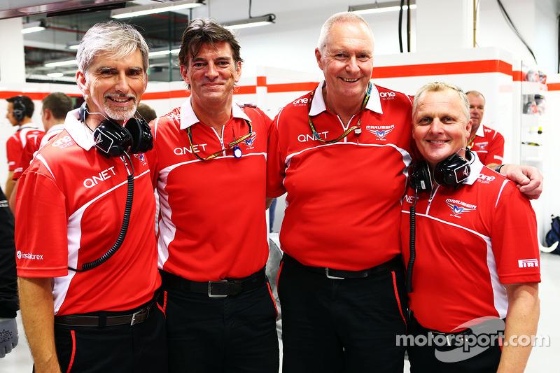 Damon Hill, Sky Sports Sunucusu ve Graeme Lowdon, Marussia F1 Takımı Baş Yöneticisi; John Booth, Marussia F1 Takımı Takım Müdürü; ve Johnny Herbert, Sky Sports F1 Sunucusu
