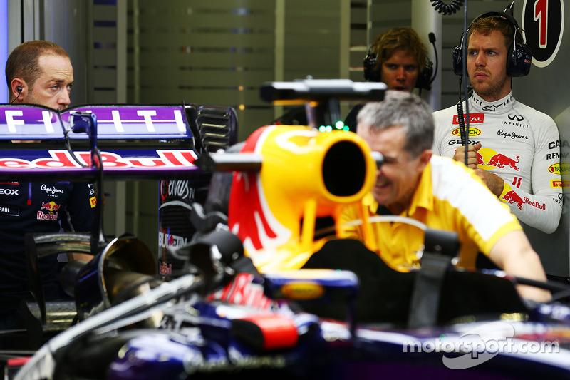La Red Bull Racing RB10 di Sebastian Vettel, Red Bull Racing viene pereparata nella seconda sessione