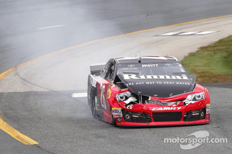 Cole Whitt, Toyota sorun yaşıyor