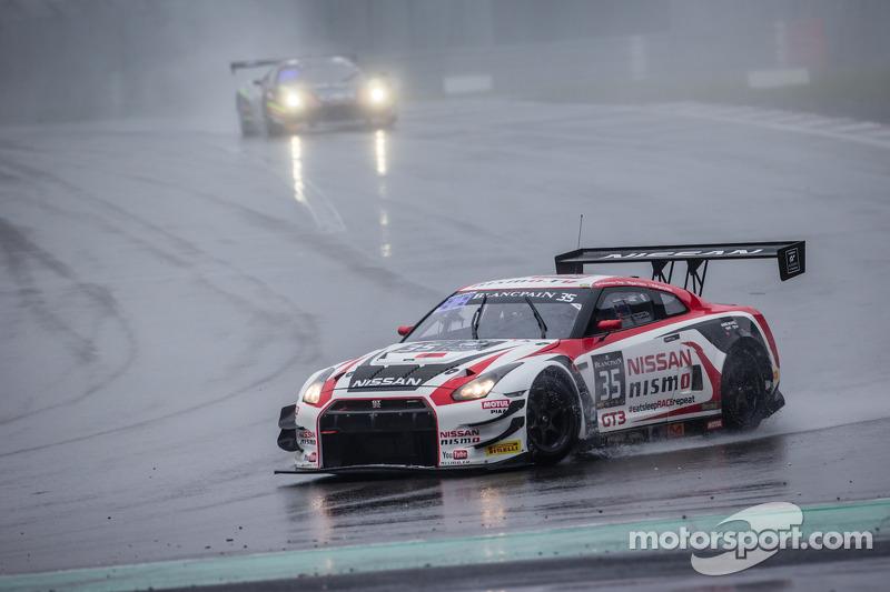 #35 日产 GT学院车队 日产 GT-R Nismo GT3: 沃尔夫冈·赖普, 米盖尔·法伊斯卡, 千代胜正