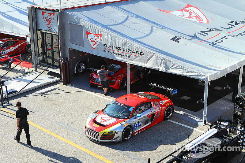 #45 Flying Lizard Motorsports 奥迪 R8 LMS