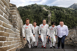 Citroën pilotları ve Yves Matton Çin Seddi'nde