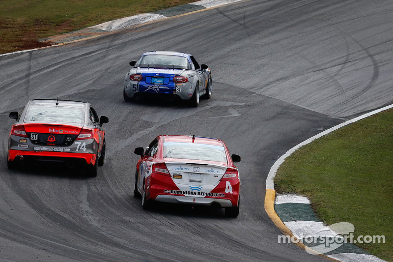 #4 LRT Racing Honda Civic: Juan Leroux, Jorge Leroux e Compass360 Racing Honda Civic: James Vance, Jon Miller