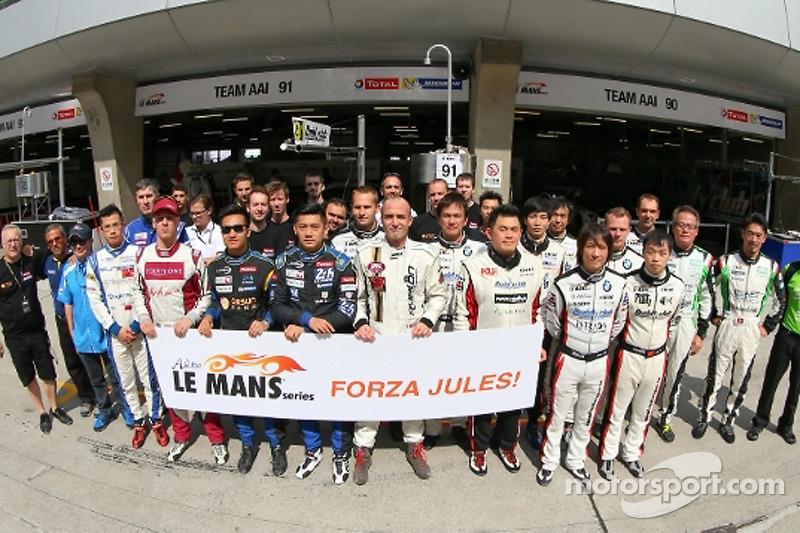 Pilot grup fotoğrafı, Jules Bianchi'ye destek için