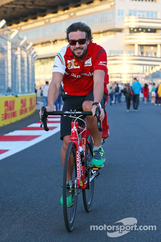 Fernando Alonso, Ferrari on his bicycle