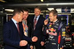 Dmitry Kozak, Rusya Başbakan Yardımcısı ve Sebastian Vettel, Red Bull Racing