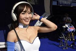 Güzel Yamaha kızı