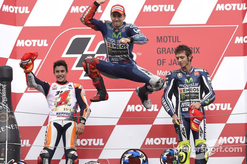Podium 2014: Pemenang balapan, Jorge Lorenzo, peringkat kedua, Marc Marquez, peringkat ketiga Valentino Rossi