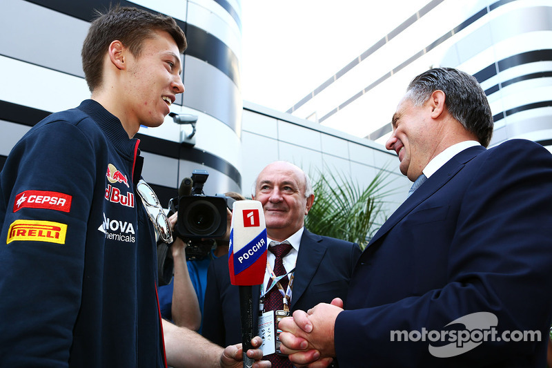 Daniil Kvyat, Scuderia Toro Rosso with Vitaly Mutko, Minister of Sport of the Russian Federation