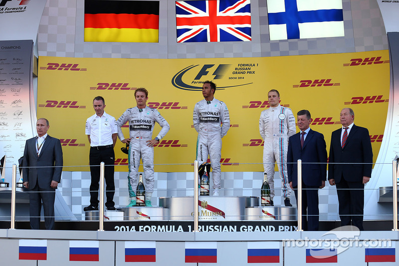 Vladimir Putin, Presidente Russo con Nico Rosberg, Mercedes AMG F1 W05, Lewis Hamilton, Mercedes AMG F1 W05 e Valtteri Bottas, Williams FW36