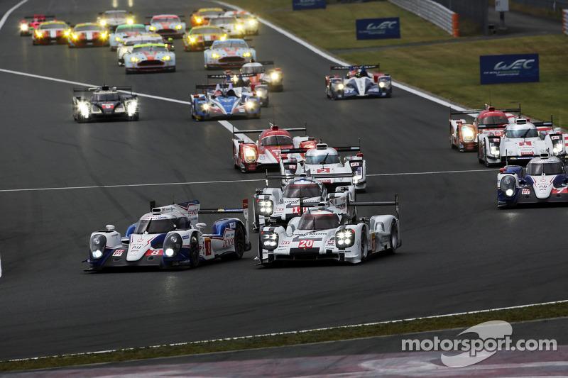 Via: #8 Toyota Racing Toyota TS040-Hybrid: Anthony Davidson, Sebastien Buemi e #20 Porsche Team Pors
