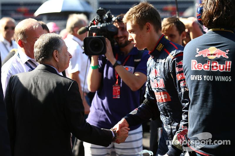 Jean Todt, presidente della FIA e Daniil Kvyat, Scuderia Toro Rosso STR9