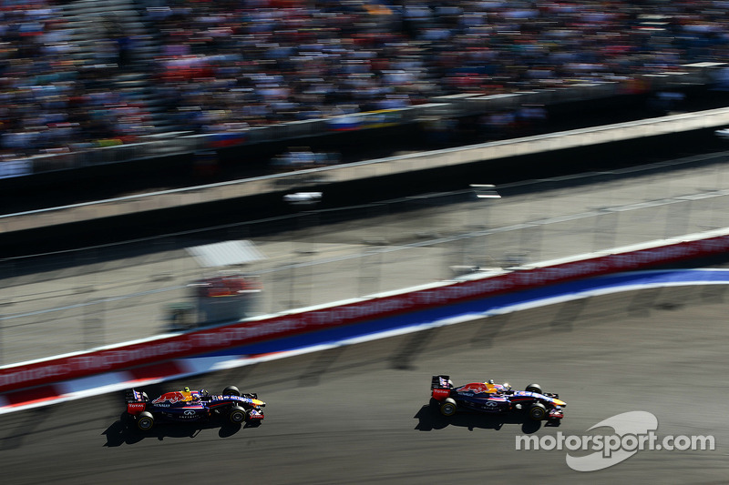 Sebastian Vettel, Red Bull Racing RB10; Daniel Ricciardo, Red Bull Racing RB10