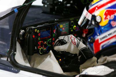 Le volant de la Porsche 919 Hybrid