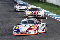 #76 IMSA Performance Matmut Porsche 911 GT3 RSR: Raymond Narac, Nicolas Armindo, Christina Nielsen
