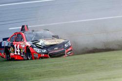 Crash: Tony Stewart, Stewart-Haas, Chevrolet