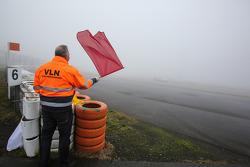 Bandeira vermelha por neblina