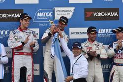 José María López, Tom Chilton y Sebastien Loeb